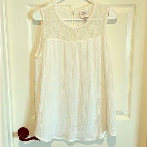 Lightweight off white sleeveless top